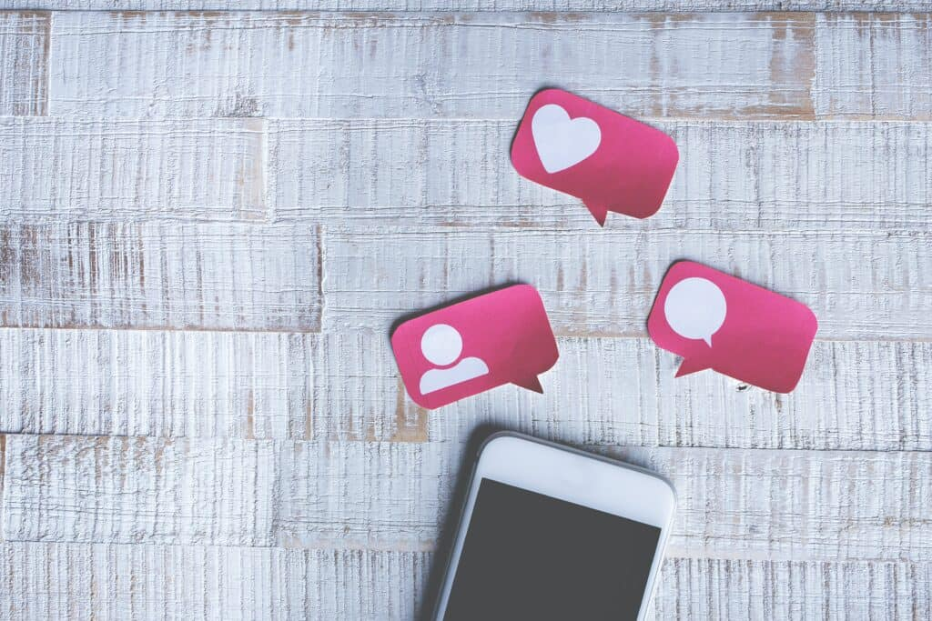 Cellphone and Social Media Comment Bubbles